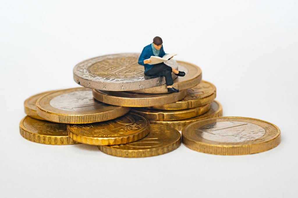 Deflationary Cryptocurrencies — The Pros and Cons